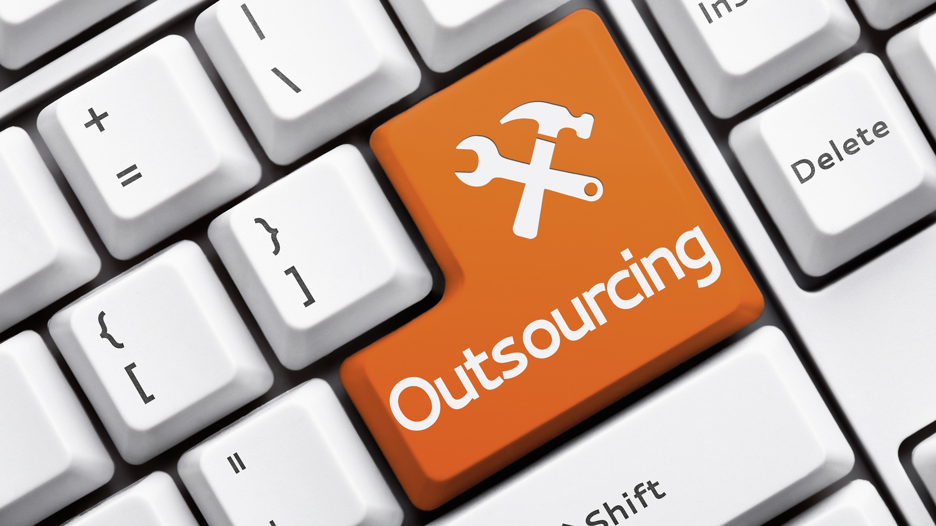 cshark_blog_outsourcing-software-projects