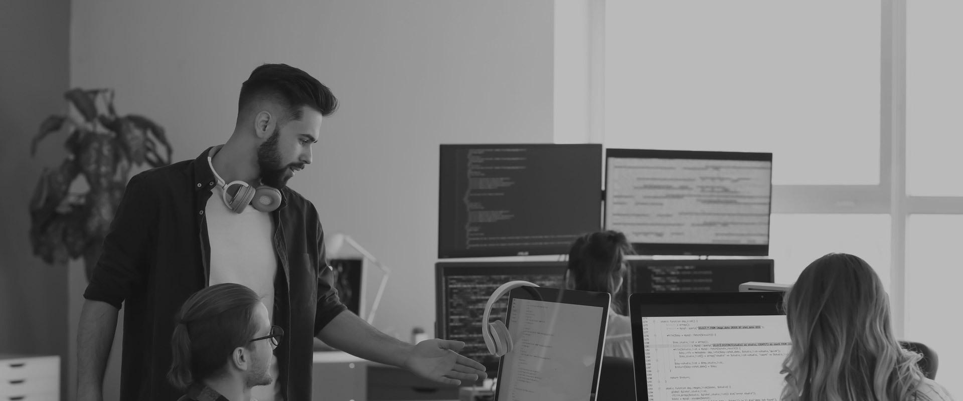 cshark_services_custom-software-development_bitmap-2-1