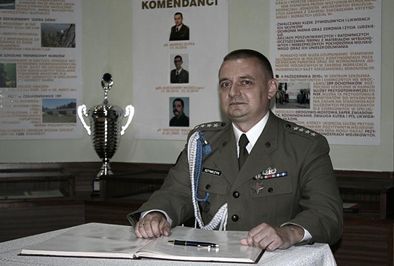 Krzysztof Szymczyk wears the military uniform for the last time.